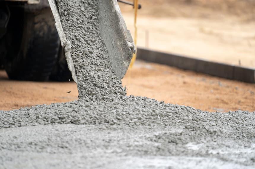 Как ухаживать за бетоном летом, при высоких температурах.