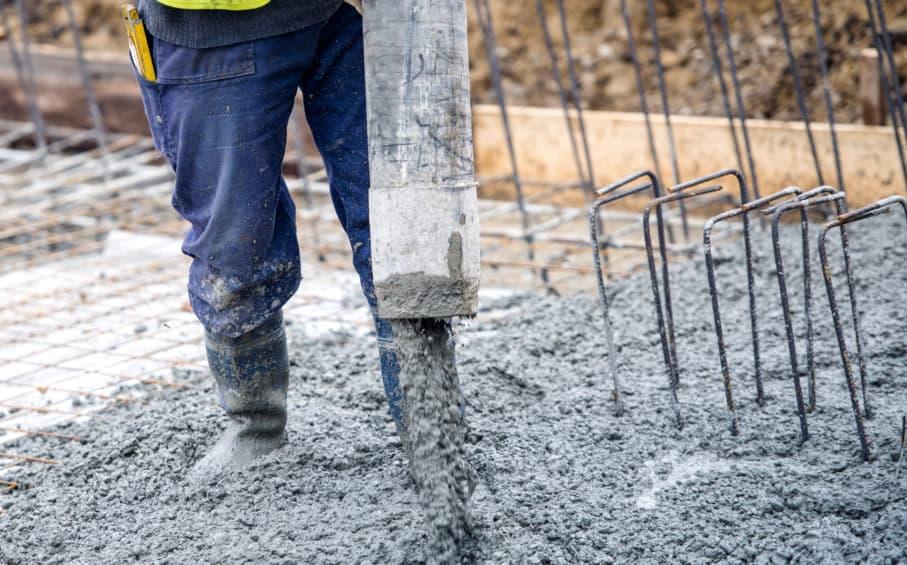 Каким бетоном заливать фундамент?